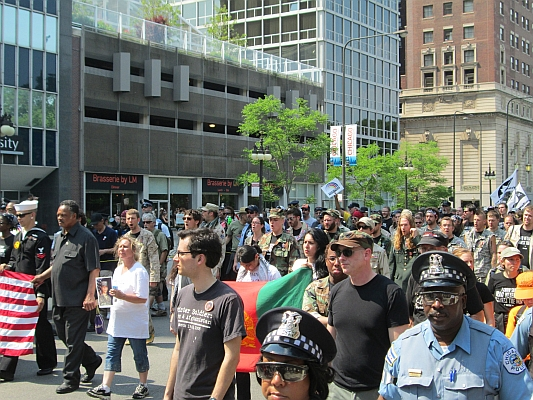 Protestmarsch mitten in der Chicagoer Innenstadt - Foto: © 2012 by Lucas Wirl